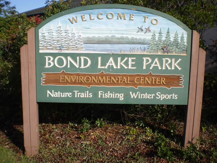 Bond Lake sign